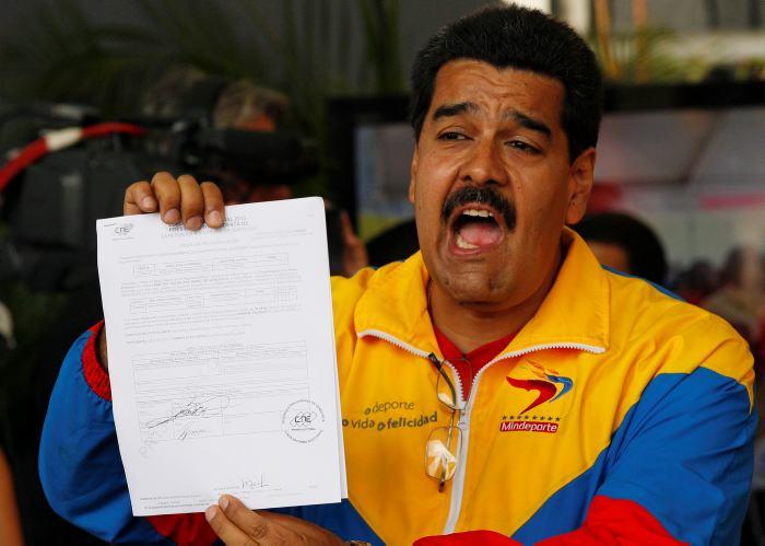 """Oposição diz que Maduro foi """"revogado"""" com resultado de plebiscito na Venezuela"""