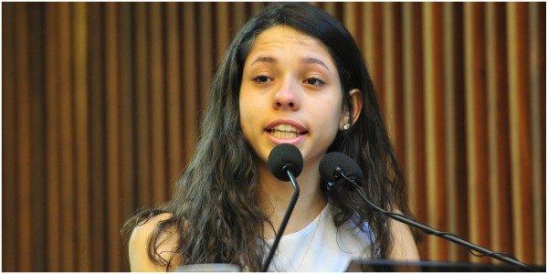 Resultado de imagem para Farsa desmontada: aluna que discursou na ALEP é filha de militante petista
