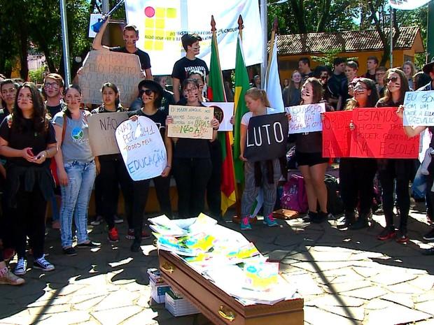 protestvo_educacao_santa_ros