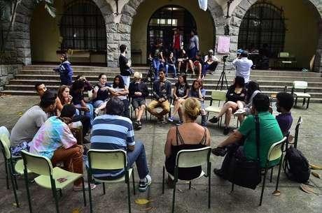 São Paulo - Aula pública com a cartunista Laerte durante a ocupação na Escola Estadual Fernão Dias. Os alunos protestam contra a reorganização escolar proposta pela Secretaria de Ensino (Rovena Rosa/Agência Brasil)