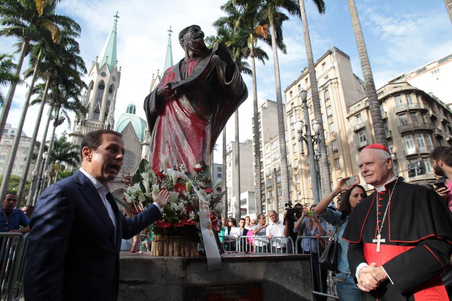 FR12 SÃO PAULO - SP - 25/01/2017 - CIDADES - MISSA DO ANIVERSÁRIO DE SÃO PAULO - CATEDRAL DA SÉ - A missa em homenagem ao aniversário de 463 anos da cidade de São Paulo é celebrada pelo arcebispo Dom Odilo Scherer desde às 9h desta quarta-feira, 25, na Catedral da Sé, no centro da cidade. O prefeito de São Paulo João Doria está presente, assim como o governador Geraldo Alckmin. FOTO: FELIPE RAU/ESTADÃO