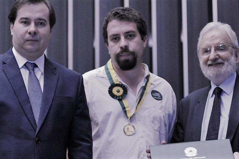 l_der-do-mtst-guilherme-boulos-aceita-medalha-do-congresso-que-ele-pr_prio-considera-golpista